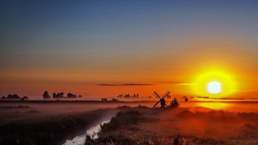 Niderlandda dumanlı bir gün